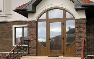 Выбор оформления входа в здание, разновидности конструкций и материалов входной группы