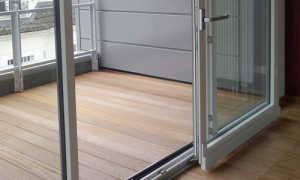 Раздвижные двери на балкон: варианты и их плюсы