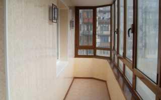 Обшивка балкона пластиком: плюсы, минусы и инструкция
