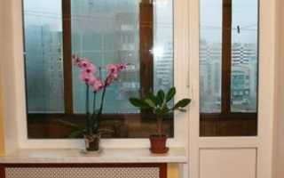 Пластиковые двери на балкон: виды и монтаж