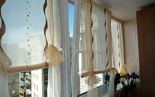 Шторы на балкон: римские, рулонные, ширмы