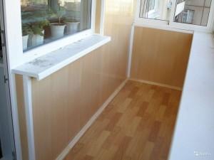 отделать балкон пластиковыми панелями