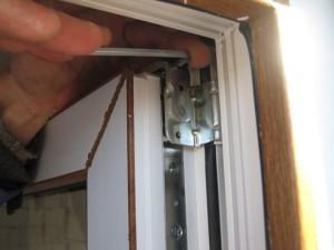 Профилактика или предупреждение неполадок в пластиковых дверях