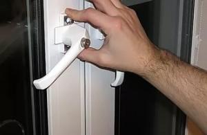 Выявляем проблему с балконной дверью