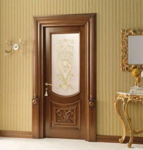 Деревянные двери способны создать атмосферу тепла и уюта в любом доме.