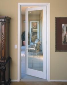 Пластиковые , деревянные межкомнатные двери, что лучше?
