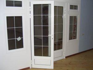 Штульп на пластиковых дверях