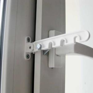 установка ограничителя открывания окна