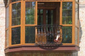 Остекление балкона по французскому типу