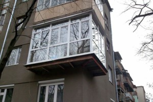 Балкон с французскими окнами