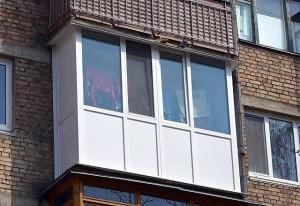 Цены на остекление балконов в «хрущевке»