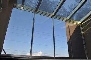 Раздвижная крыша на балконе