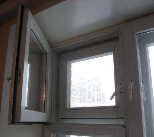 Окна ПВХ с форточкой