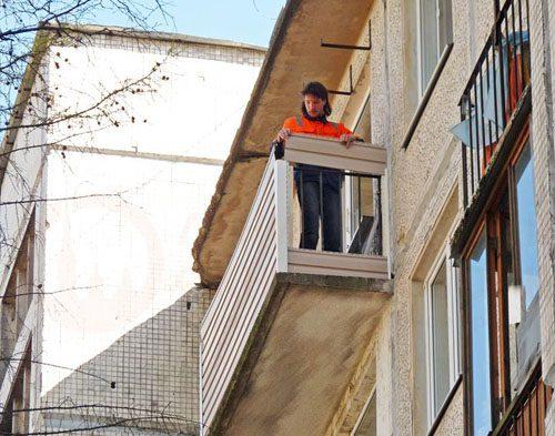 Стеновые панели для отделки балкона