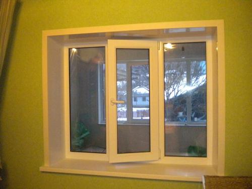 Нужно ли смазывать пластиковые окна