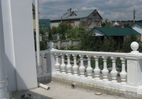 ограда из бетона для балкона