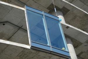 Крепление модуля элементного остекления к перекрытию  здания