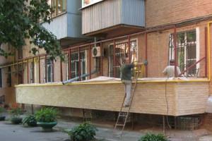 Сооружение балкона на первом этаже