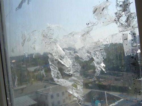Чем очистить стекло от солнцезащитной пленки