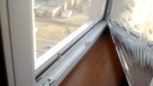 Как клеить солнцезащитную пленку на окна особенности монтажа
