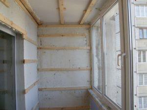 Как правильно отделать балкон или лоджию внутри?