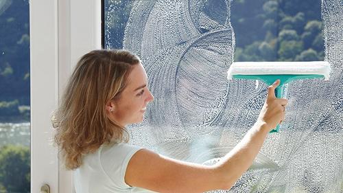 Чем лучше отмыть пластиковые окна