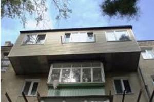 Расширяя балкон до такой степени, владелец жилья сильно рискует