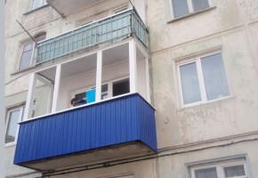 Как меняет балкон облицовка профнастилом