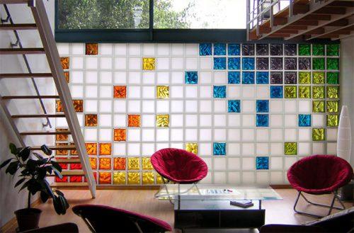 Стена из стеклянных блоков